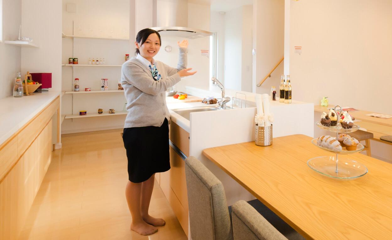 ユニバーサルホーム伊予西条店モデルハウスのキッチン