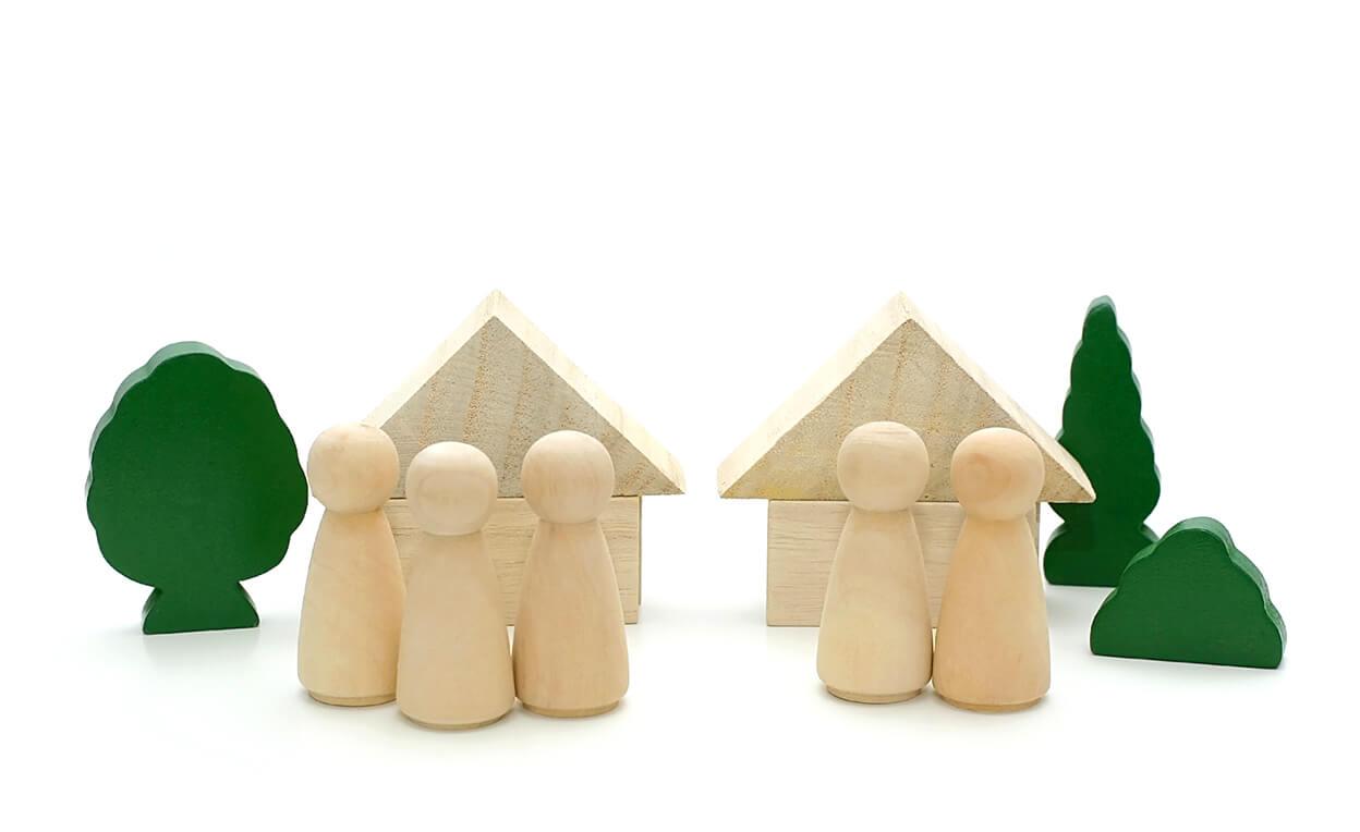 2つの家の模型